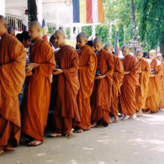 bhikkhu03